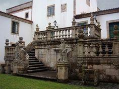 Pazo de Mariñán (Bergondo) De estilo barroco y neoclásico, S XVIII; tiene un jardín de estilo francés.