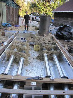 Mass rocket floor heater for yurt Diy Wood Stove, Floor Heater, Build A Rocket, Rocket Mass Heater, Earth Bag Homes, Stove Heater, Stove Fireplace, Rocket Stoves, Underfloor Heating