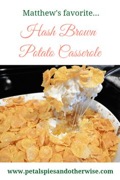Easy and delicious recipe to make the perfect hash brown potato casserole as a side dish for any dinner, gathering, or party. Breakfast Potato Casserole, Breakfast Potatoes, Eat Breakfast, Casserole Dishes, Breakfast Recipes, Casserole Recipes, Breakfast Ideas, Dinner Recipes, Cereal Recipes