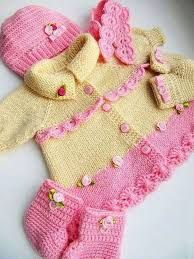 Knitting Patterns Modern Easy and modern baby knitted cardigan models Crochet Baby Dress Pattern, Knit Baby Dress, Baby Cardigan Knitting Pattern, Baby Dress Patterns, Baby Knitting Patterns, Knit Crochet, Baby Girl Skirts, Baby Pullover, Knitting Blogs