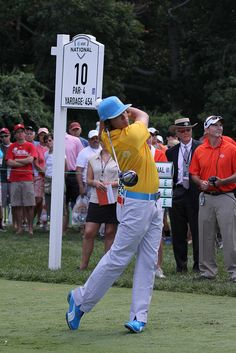 Rickie Fowler at the 10th Hole... http://golfdriverreviews.mobi/traffic8417/ Rickie Fowler Rick Yutaka Fowler (born December 13, 1988) is an American professional golfer. He was the number one ranked amateur golfer in the world for 36 weeks