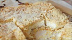 Křehké sypané tvarohovo–vanilkové řezy připravené už za 30 minut! | Milujeme recepty