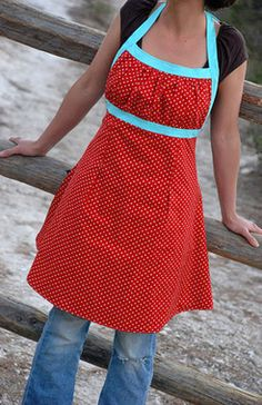 Emmeline Apron Sewing Pattern. Ridiculously cute.