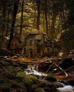 Casa abandona em Old Mill, Floresta Negra,  Alemanha.
