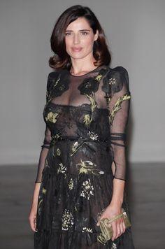 Bellissima! Luisa Ranieri, l'eleganza fatta a persona: bella e brava!