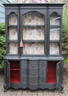 Could do the dresser like this, leave the outside wooden and paint the insides of the cupboards
