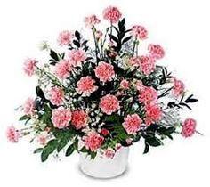 Resultado de imagen para como hacer arreglos florales con claveles