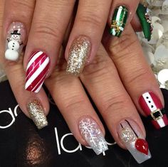 Winter nails with snowflake; red and white Christmas nails; cute and unique Christmas nails; Cute Christmas Nails, Christmas Nail Art Designs, Holiday Nail Art, Xmas Nails, Fun Nails, Christmas Christmas, Christmas Design, Santa Nails, Handmade Christmas