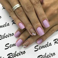Flower Nail Designs, Nail Art Designs, Mani Pedi, Manicure And Pedicure, Cute Nails, Pretty Nails, Hair And Nails, My Nails, Short Nails Art