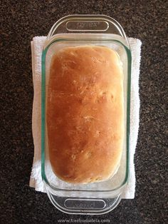 One of my absolute favorite things to do is making homemade bread, so yummy, so good! Today I'm sharing my fail proof recipe on the blog!