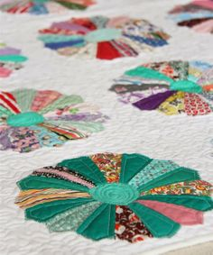 Antique Dresdens, this is what i need to do to finish a quilt started by my mother. Love dresdens!