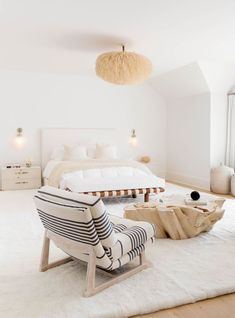 20 Gorgeous Neutral Bedroom Designs white and minimal home decor Cozy Bedroom, Home Decor Bedroom, Bedroom Furniture, Bedroom Ideas, Trendy Bedroom, Furniture Decor, Bedroom Simple, Coastal Bedrooms, Bedroom Modern