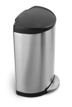 The #simplehuman semi-round step can has a flat back for easy placement against the wall and out of the way. Its large capacity is ideal for busy areas around th...