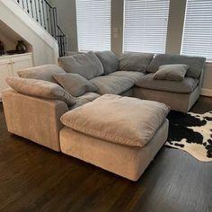 Bryant U-Sofa Bumper Sectional piece) – Sofa Design 2020 Living Room Sofa Design, My Living Room, Living Room Designs, Living Room Furniture, Living Room Decor, U Couch, Deep Couch, Diy Sofa, Cheap Bedroom Decor