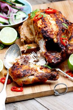Indian-Spiced Roast Chicken by simply-delicious-food Juicy, tender and incredibly flavoured Indian-Spiced Chicken served with cucumber & red onion salad! Indian Food Recipes, Asian Recipes, Healthy Recipes, Indian Foods, Healthy Food, I Love Food, Good Food, Yummy Food, Tasty