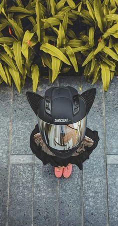 Motorcycle Helmet with Cat Ears Motorcycle Helmet Accessories, Cool Bike Accessories, Motorcycle Helmets, Riding Helmets, Biker Love, Biker Girl, Best Motorcycle For Women, Motocross Riders, Bike Photoshoot