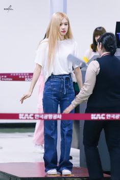 Kpop Fashion Outfits, Blackpink Fashion, Korean Outfits, Korean Fashion, Korean Airport Fashion, Jennie Lisa, Looks Vintage, Airport Style, Swagg