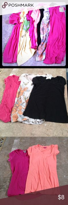 💐BUNDLE OF TEES💐 Pink yellow orange black grey tee bundle. 7 all together. Brands include Mossimo Forever 21 Love Peace Hope Hollister and the yellow David Golliath. The yellow us a suez large but fits more like a small. The grey is a medium but fits more like a small. The rest are small. 3 pink tees in this bundle. Tops Tees - Short Sleeve