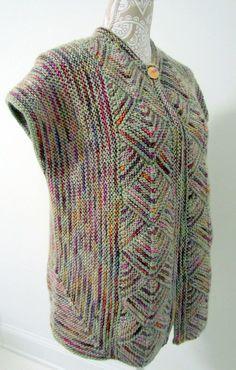 Make Gradient Baby Vest - Knitting Crafts - # WORKS . Gradient baby vest making – knitting craft – # AFFAIRS the Knit Cardigan Pattern, Crochet Jacket, Crochet Flower Patterns, Knit Patterns, Knitting Designs, Knitting Projects, Knitting Ideas, Tunisian Crochet, Knit Crochet