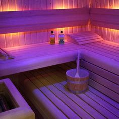 Saunas are now a favorite place for some people to relieve fatigue and fatigue after busy days. So, the weekend choice for them is a sauna to help them relax rather than just being and resting at home. Saunas, Sauna Seca, Spa Jacuzzi, Sauna Design, Finnish Sauna, Sauna Room, Spa Rooms, Modern Mansion, Girl House