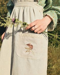 A little pocket mouse, which is waiting for August herbs. Estilo Cool, Mode Simple, Estilo Grunge, Zooey Deschanel, Green Gables, Mori Girl, Aesthetic Clothes, Ideias Fashion, How To Make
