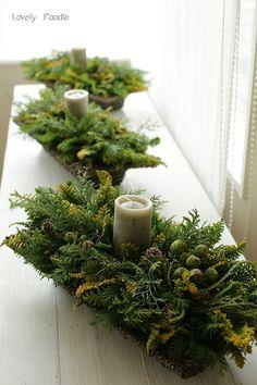 Christmas Flower Arrangements, Christmas Flowers, Beautiful Flower Arrangements, Christmas Time, Floral Arrangements, Beautiful Flowers, Christmas Wreaths, Christmas Decorations, Holiday