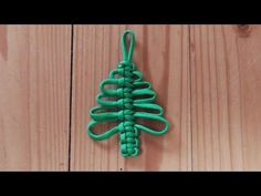 How To Make A Cobra Weave Paracord Christmas Tree Decoration - YouTube