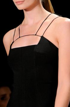 Gorgeous tiny lines.  This could be modified onto any strapless dress pattern. Cushnie et Ochs Spring 2014.