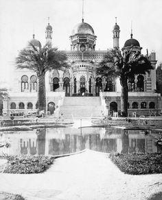Chile, Santiago. Vista panorámica del Palacio de Concha Cazotte en 1910. Construido en la Avenida Las Delicias (Alameda), actual Barrio Concha y Toro de Santiago. Demolido en el año 1935
