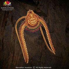 Gold & Diamond jewellery store in Bangalore Vanki Designs Jewellery, Gold Mangalsutra Designs, Antique Jewellery Designs, Gold Ring Designs, Gold Bangles Design, Jewelry Design Earrings, Gold Earrings Designs, Gold Jewellery Design, Necklace Designs