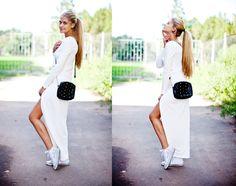 сочетание стилей, одинаковые цвета, перекличка заклепок, платье с уклоном в спортивный стиль