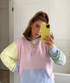 Spring Pastels For Brighter Days on We Heart It Ropa Color Pastel, Pastel Colors, Pastel Outfit, Pastel Hoodie, Latest Fashion Clothes, Fashion Outfits, Fashion Women, Tie Dye Jeans, Trendy Hoodies