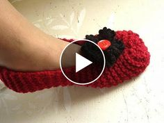 Hello my friends. Today I want to share withyou this video tutorial of how to knit this beautiful slippers for man and woman.This video is made byHectanoogaand explain you in minimal detail how to make this slippers. Needle: 4mm…