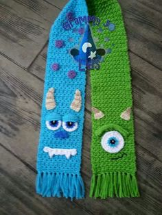 Monster scarves - do these in team colors one on each side?