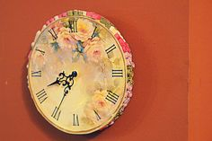 Smells Like Mommy: Wall clock - decoupage and quilling