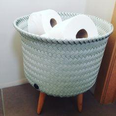Het kleinste kamertje in stijl🚽🎀. #handedby Craft Bags, Bassinet, Mint Green, Instagram Posts, Crafts, Furniture, Home Decor, Crib, Manualidades