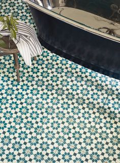 tiles Patterns New Kitchen Tiles Ideas Floor Fired Earth 41 Ideas Kitchen Floor Tile Patterns, Wall And Floor Tiles, Bathroom Floor Tiles, Downstairs Bathroom, Kitchen Tiles, New Kitchen, Family Bathroom, Bathroom Ideas, Bathroom Mural