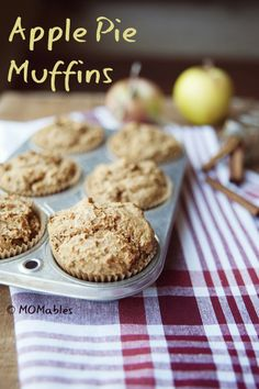 Apple pie muffins MOMables.com Perfect for the breakfast on the go!