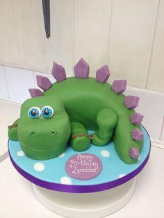Dinosaur cake (what kind of name is Leonidas? Dinosaur Birthday Cakes, 3rd Birthday Cakes, Dinosaur Party, 2nd Birthday Parties, Dinosaur Dinosaur, Elmo Party, Mickey Party, Harry Birthday, Boy Birthday