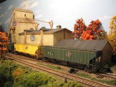 Atlas Model Railroad Co. - H.O. Sunday Photo Fun 5-28-06:
