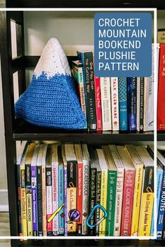 This squishy and fun mountain is the perfect home decor for the mountain lover in your life. It stands 9 inches tall and 9 inches wide. Constructed with 4 easy triangles, you'll love how quick and easy this make is. hookyarncarabiner.com #crochet #pattern #mountain #bookend #doorstop #doorstopper #bookends #easy #homedecor #crochetdecor Holiday Crochet, Crochet Gifts, Crochet Hooks, Free Crochet, Crochet Cushion Cover, Crochet Cushions, Modern Crochet Patterns, Crochet Designs, Knitting Projects