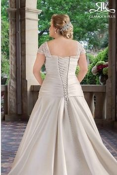 Tiffanie, Roz La Kelin Glamour Plus Collection | 31 Jaw-Dropping Plus-Size Wedding Dresses