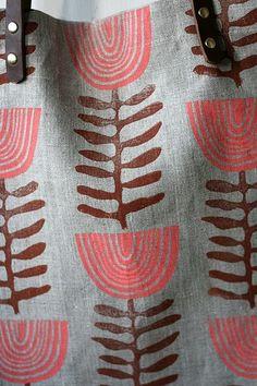 fabric stamping 52 Weeks of Printmaking: Week 52 by Jen Hewett Stamp Printing, Printing On Fabric, Screen Printing, Fabric Patterns, Print Patterns, Stamp Carving, Fabric Stamping, Fabric Painting, Encaustic Painting