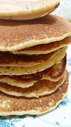 BuonGiorno!! Ecco freschi freschi. .o meglio dire caldi caldi i pancakes di kamut senza burro e veloci da fare!  200 gr farina di kamut 250 ml latt
