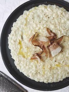 Risotto Cacio e Pepe con Guanciale Italian Recipes, Vegan Recipes, Cooking Recipes, Rice Dishes, Food Dishes, Food Design, I Love Food, Soul Food, Food Inspiration