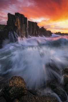 The basalt columns of Bombo, Australia {OC} - Nature/Landscape Pictures Landscape Photography, Nature Photography, Travel Photography, Photography Music, Outdoor Photography, Beautiful World, Beautiful Places, Beautiful Scenery, Ocean And Earth