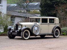 1930 Rolls-Royce Phantom II Limousine by R.Harrison & Son 1930 Rolls-Royce Phantom II Limousine by R. Rolls Royce Phantom, Bugatti Veyron, Vintage Cars, Antique Cars, Classic Rolls Royce, African Market, Bentley Mulsanne, Bentley Car, Best Classic Cars
