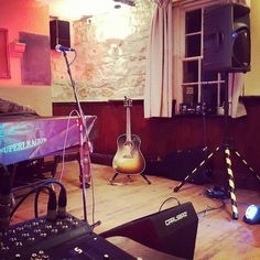 Canny gig last night with the Acoustic Magic gang. Another two gigs for me today.  Head of Steam Tynemouth 4pm  Waterford Arms Seaton Sluice 6pm  (Acoustic Magic)  #wannabechampion #gigstagram #live #livemusic #acousticmusic #acousticmagic #gibsonguitars #gibsonsofinstagram #gibsonj45 by samgibmusic https://www.instagram.com/p/BEAukGiMWUd/ #jonnyexistence #music