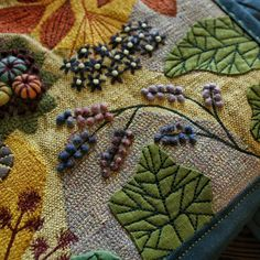 Embroidery Fabric, Beaded Embroidery, Cross Stitch Embroidery, Felt Fabric, Fabric Art, Wooly Bully, Felted Wool Crafts, Wool Art, Embroidered Bag