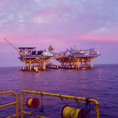 Gorgeous view closing the day out from work  #Dive #diver #diving #commercialdiver #underwater #underwaterwelder #tender #tenderlife #water #blackwater #oil #oilandgas #hardwork #work #scrap #oilfield #offshore #offshorelife #sunset by bl4nk999